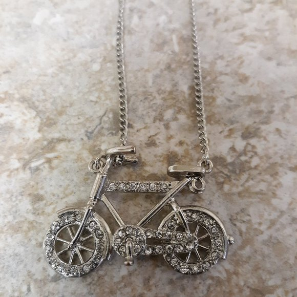 Jewelry - Cute VTG Silver & Crystal Stone Bicycle Neclace